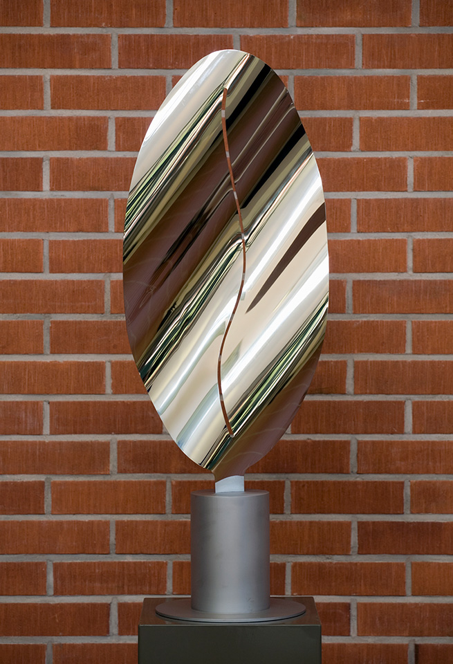 22. Luna Polaris, 44x17x118cm, stainless steel, sheet 3mm, 2003