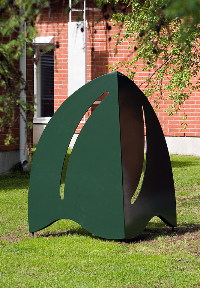 3. Iso Syksy, 181x190x120cm, powder coated steel, 1994