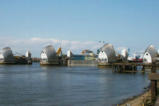 Thames Barrier Steve Hall_550.jpg