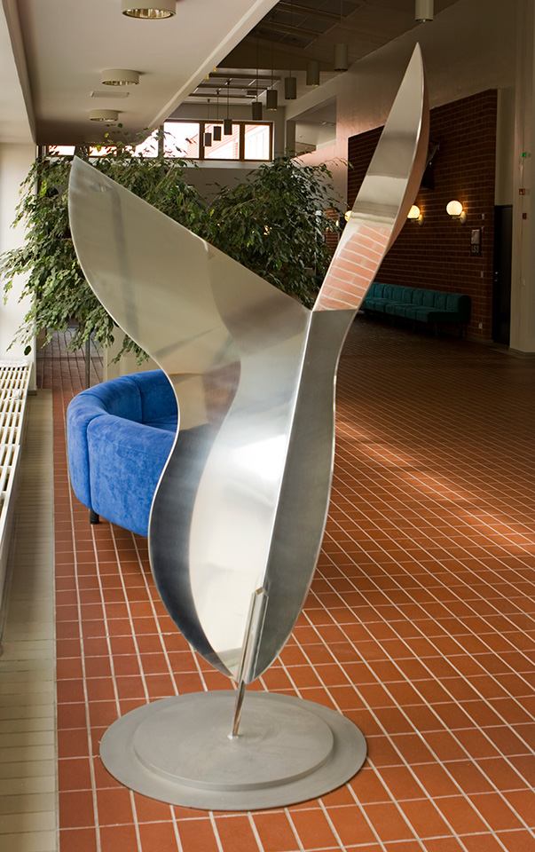 17. Riitta, 80x120x220cm, stainless steel, sheet approx. 4mm, 1997